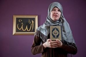 Lucy Vallender, présentée comme la première musulmane transgenre de Grande-Bretagne. © Henry Nicholls/SWNS.com