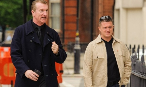 Tommy Robinson (à dr.) et Kevin Caroll, désormais ex-leaders de l'English Defence League (EDL).
