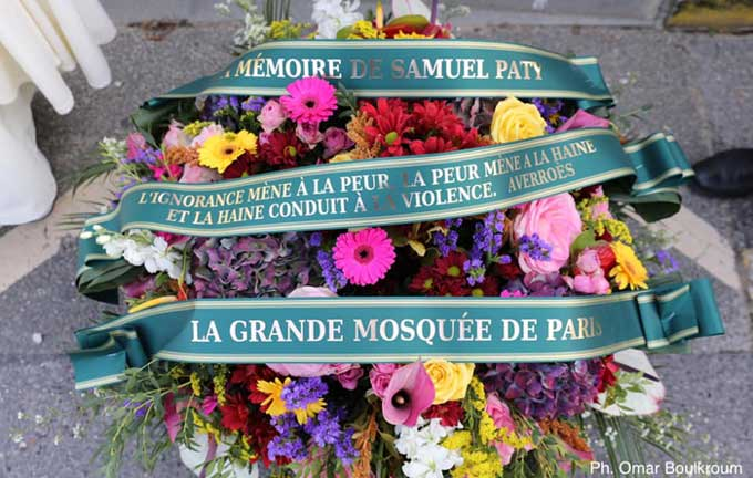 Un an après l'assassinat de Samuel Paty, l'hommage de la Grande Mosquée de Paris à Conflans-Sainte-Honorine