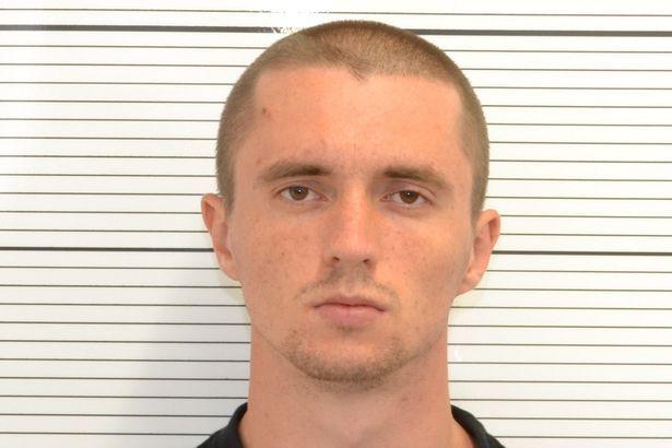 Pavlo Lapshyn, coupable du meurtre d'un octogénaire musulman et actes de terrorisme contre des mosquées anglaises, a été condamné à la perpétuité le 25 octobre 2013.