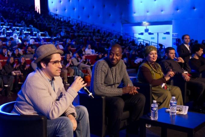 Les membres du jury des Mokhtar Awards, de gauche à droite, le cinéaste Nadir Ioulain, le producteur Sadia Diawara, l'humoriste Samia Orosemane, l'imam de la mosquée de Longjumeau Ismail Mounir et le directeur photo Amida Belgharbi.