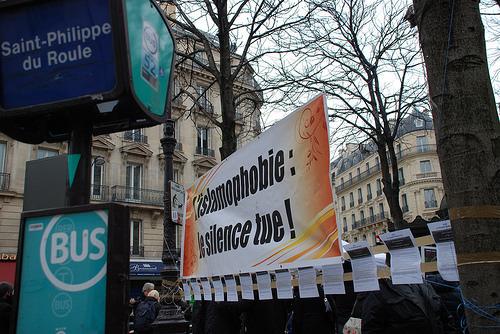Le rassemblement contre l'islamophobie a réuni plusieurs dizaines de personnes à Paris, samedi 25 janvier, à l'appel de la Coordination contre l'islamophobie d'Argenteuil. © Nelson Robiquet