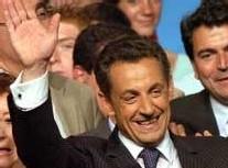 Nicolas Sarkozy succède à Jacques Chirac