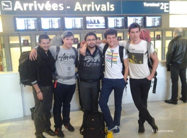 Ilan, Ismaël, Victor, Samuel et Josselin de retour de leur Interfaith Tour, lundi 28 avril.