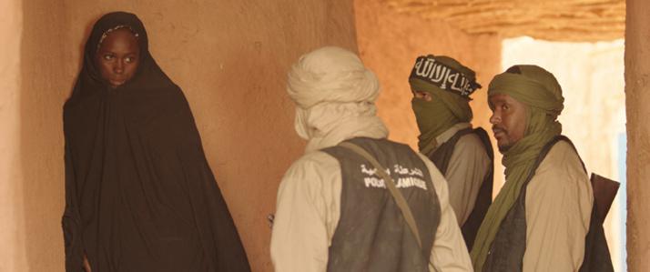 Huit ans après « Bamako » qui dénonçait les dégâts de la Banque mondiale et du FMI en Afrique, le réalisateur Abderrahmane Sissako s'attaque aux djihadistes venus imposer leurs lois iniques, selon une lecture dévoyée de l'islam, sur les terres du Mali, avec le film « Timbuktu », présenté en compétition au 67e Festival de Cannes.