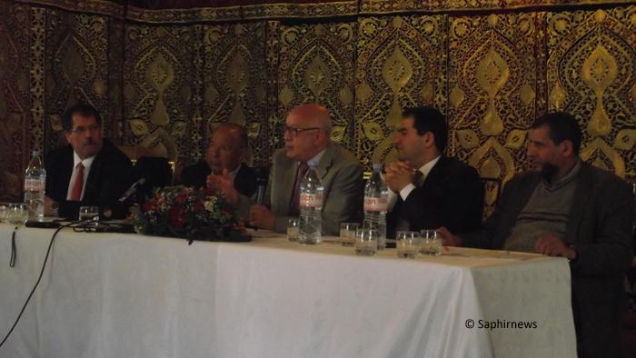De gauche à droite, Anouar Kbibech, président de Rassemblement musulmans de France (RMF), Dalil Boubakeur, président du CFCM et recteur de la Grande Mosquée de Paris, Abdallah Zekri, président de l'Observatoire national contre l'islamophobie, Ahmet Ogras, président du Comité de coordination des musulmans turcs de France (CCMTF) et Moulay el Hassan el Alaoui Talibi, aumônier national des prisons.