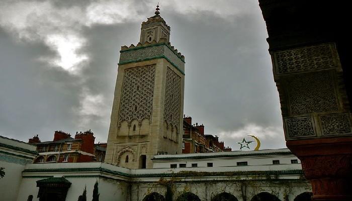 Le mythe de la Nuit du doute à la Grande Mosquée de Paris