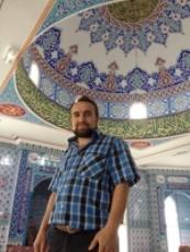 Ali Yurt, le responsable de la CIMG de Châteaudun dans la nouvelle mosquée.