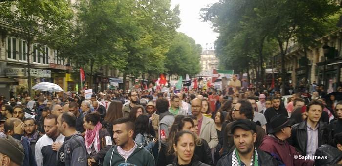 Des dizaines de milliers de personnes ont protesté en France contre les bombardements d'Israël sur la bande de Gaza. Ici à Paris le 13 juillet 2014.