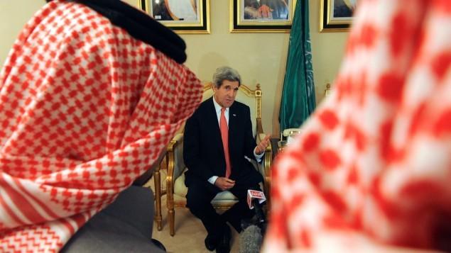 Le secrétaire d'État américain John Kerry s'était rendu en Arabie Saoudite, le 5 janvier 2014, pour parler négociations de paix entre Israël et Palestine, avec les représentants de la Ligue arabe. Et donc ?... (Photo : US State Department)