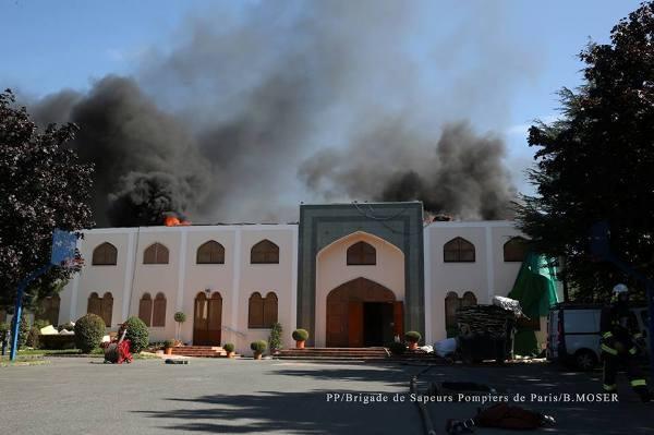 Une mosquée de Bagneux touchée par un incendie