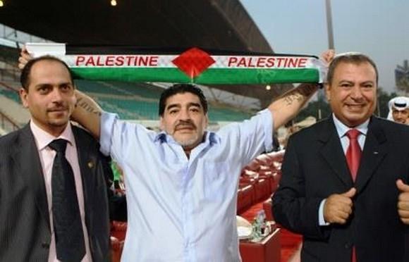 Diego Maradonna en soutien à la Palestine.