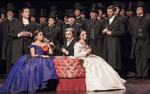 La Traviata de Verdi, à l'Opéra national de Paris (Bastille). © Elena Bauer/OnP