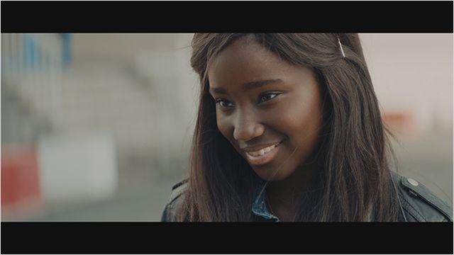 """Marieme devient Vic, au fil de son émancipation féminine dans """"Bande de filles"""", de Céline Sciamma. (Photo : © Pyramide Distribution)"""