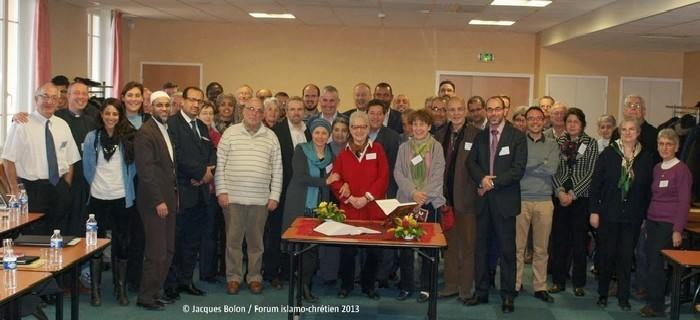 Le 4e Forum islamo-chrétien se déroulera les 28, 29 et 30 novembre 2014 à Lyon. Ici, la photo de clôture de l'édition 2013.