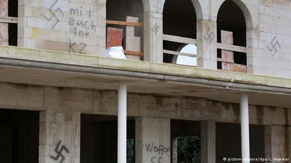 Une mosquée en construction à Dormagen a été la cible de tags racistes le 21 décembre, dans un contexte d'intensification des manifestations anti-islam en Allemagne.