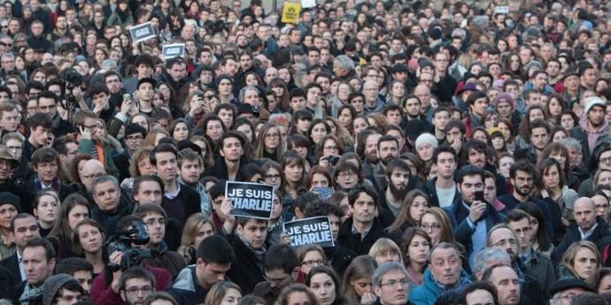 Charlie Hebdo : face aux récupérations politiques, les limites de l'unité nationale
