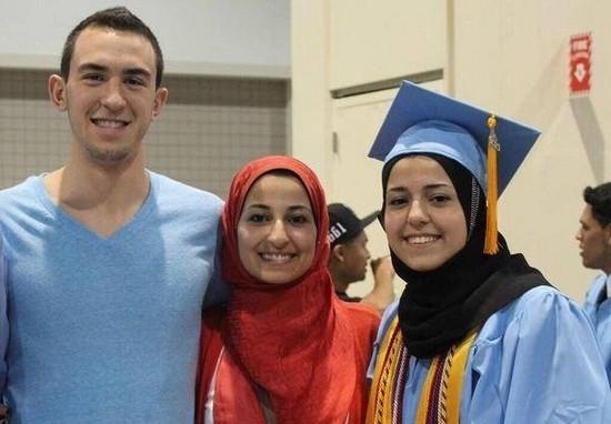 Trois étudiants musulmans asassinés en Caroline du Nord mardi 10 février.