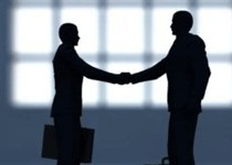 Emploi: Fillon veut accélérer la lutte contre les discriminations