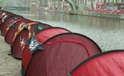 Boutin ne 'tolèrera pas des campements' dans Paris