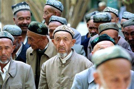 En Chine, la beauté exclut le port de la barbe et du voile