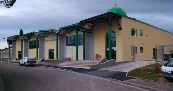 La mosquée de Montelimar (Drôme), la cible d'un attentat avorté par des lycéens arrêtés début avril 2015.