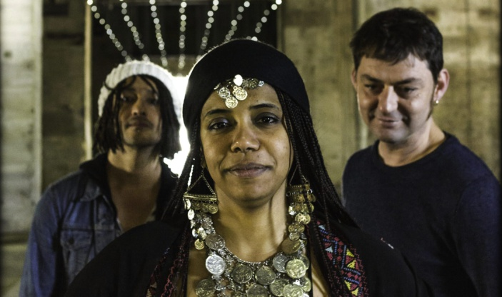 Orange Blossom, groupe world music aux influences arabes et occidentales teintées d'électro. (Photo : © Adrien Selbert)