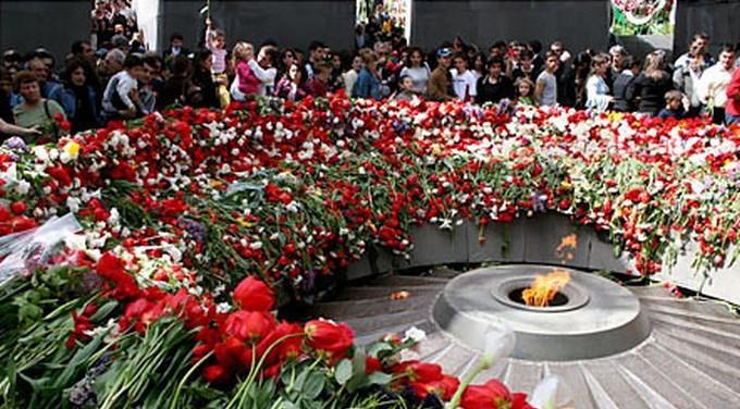 La commémoration officielle du centenaire du génocide arménien a lieu vendredi 24 avril 2015 à Erevan, la capitale arménienne, en présence de François Hollande.