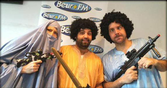 """Beur FM accusé d'être complice de l'islamisme par Marianne, la radio prend le parti de s'en moquer. La matinale du 22 mai a alors été rebaptisée """"Djihad FM""""."""