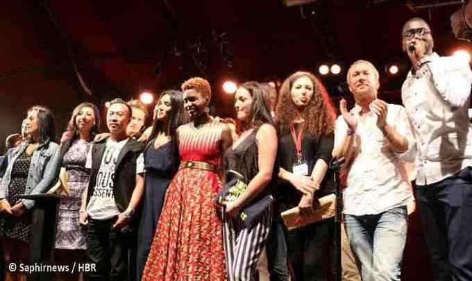 La 6e édition des Y'a Bon Awards 2015 se sont déroulés vendredi 12 juin au Cabaret Sauvage. Des membres du jury et des remettants de prix ici sur scène. © Saphirnews / HBR