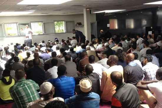 Foyer Art Vif Bienne : Noisy le grand une salle de prière aux musulmans pour