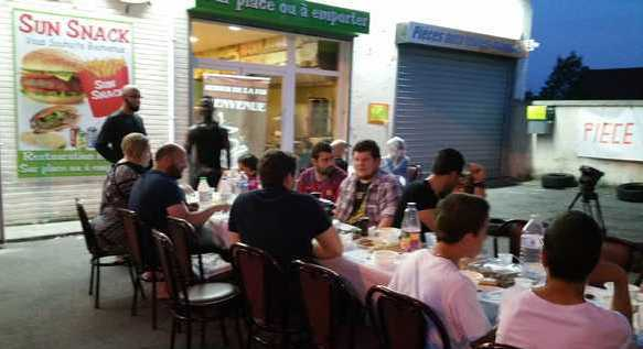 A Amiens, des iftar solidaires offerts dans un snack