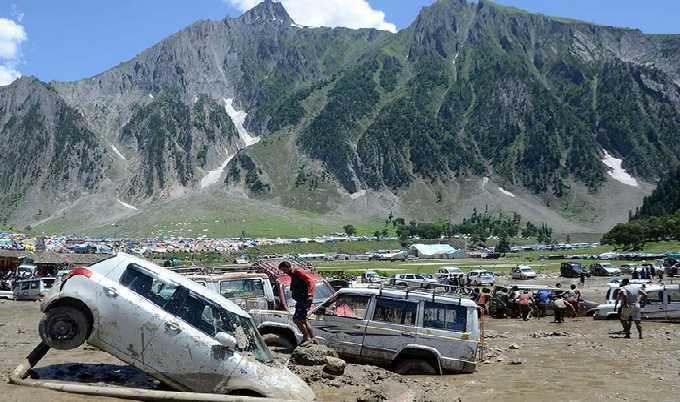 Au Cachemire, des musulmans au secours de pèlerins hindous piégés par les eaux