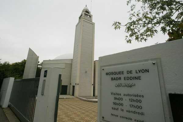 Alerte au courrier suspect contre la Mosquée de Lyon : l'UMF condamne