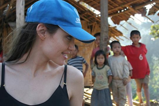Angelina Jolie Pitt au secours des Rohingyas de Birmanie