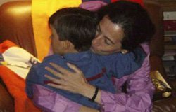 Clara Rojas retrouve son fils après trois ans de séparation