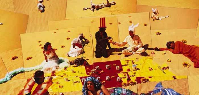 Photo : une partie de l'œuvre  « Oum El Dounia », de Lara Baladi (2007), tapisserie en soie et laine 902 × 290 cm. © Lara Baladi