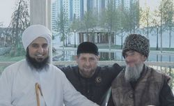 Ramzan Kadyrov aux côtés du prédicateur Habib Ali al-Jifri (à g.)