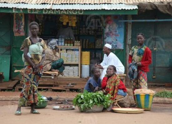 Centrafrique : musulmans et chrétiens manifestent pour la paix