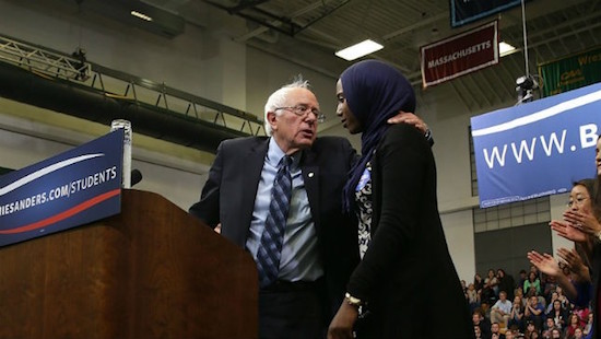 Un rival d'Hillary Clinton debout contre l'islamophobie (vidéo)