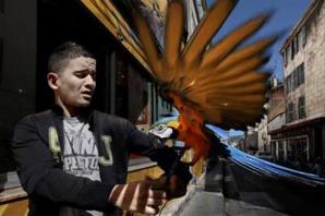 © Bharat Choudhary. Photo extraite de son reportage à Marseille, reproduite dans D'ailleurs et d'ici #2.