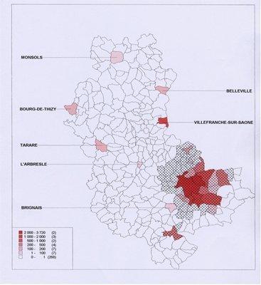 Figure 3: Fréquentation cumulée des lieux de culte musulman par commune du département du Rhône. Les parties hachurées représentent les communes qui forment la communauté urbaine de Lyon (Courly)