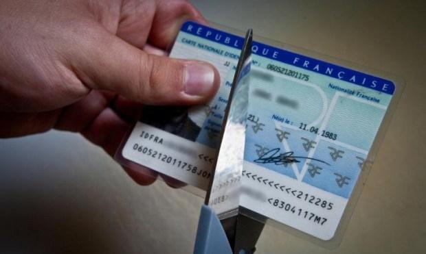 La déchéance de nationalité : l'égalité des Français en question