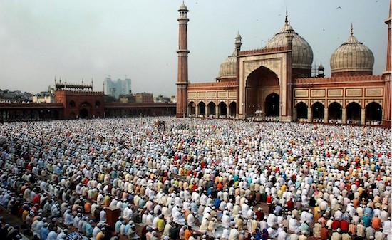 Inde : 70 000 religieux signent une fatwa contre Daesh