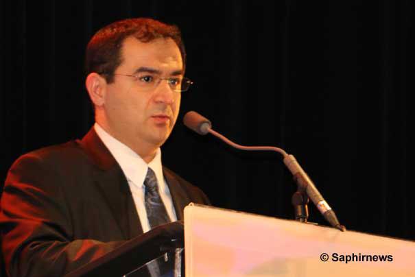 Ahmet Ogras est vice-président du Conseil français du culte musulman (CFCM) et président du Comité de coordination des musulmans turcs de France (CCMTF).