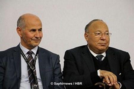 Amar Lasfar, président de l'UOIF, et Dalil Boubakeur, recteur de la Grande Mosquée de Paris, ensemble à la 32e Rencontre annuelle des musulmans de France (RAMF) en 2015.