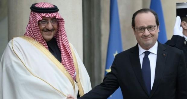 François Hollande accueillant à l'Elysée le prince héritier d'Arabie saoudite Mohammed ben Nayef.