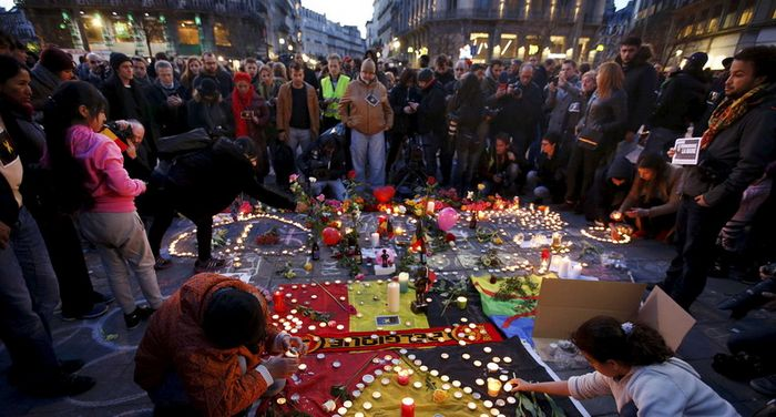 Un rassemblement spontané après les attentats de Bruxelles mardi 22 mars. © Reuters