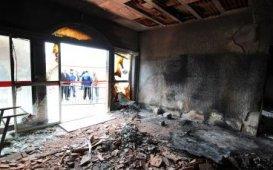 Les murs ont été noircis par l'incendie de la mosquée de Colomiers