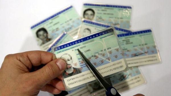 Déchéance de nationalité : le projet qui a tant divisé mis au placard